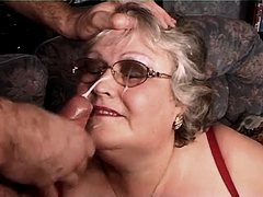 Fat granny gets facial after fuck