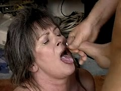 Old mom fucks n gets cum in mouth