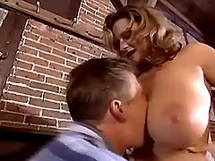 Fat slut with big bobs blowing dick